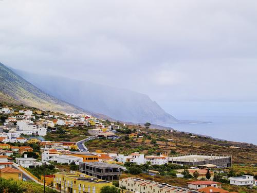 A High-Renewables Tomorrow, Today: El Hierro, Canary Islands